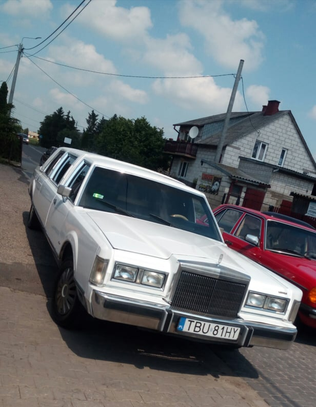 LINCOLN TOWN CAR 1988 WYNAJEM